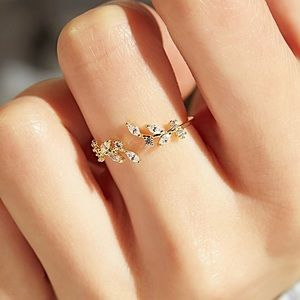 ✨Stunning Gold Leave Ring